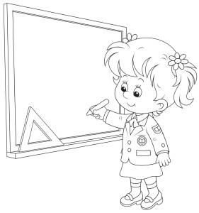 Ученица пишет мелом на доске