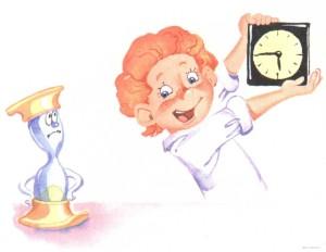 Мальчик держит часы
