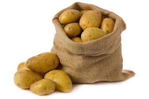 Картофель в мешке фото на белом фоне