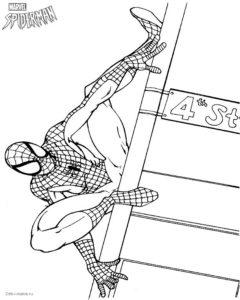 Раскраска Человека-паука, сидящего на столбе — Deti-i-mama.ru