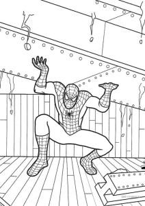 Человек-паук держит тяжелую опору