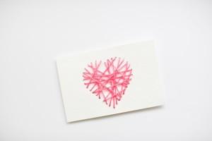 Открытка Валентинка сердечко из вязальных ниток